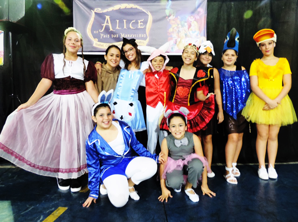 Apresentação  Balé 2017 - Alice no país das maravilhas