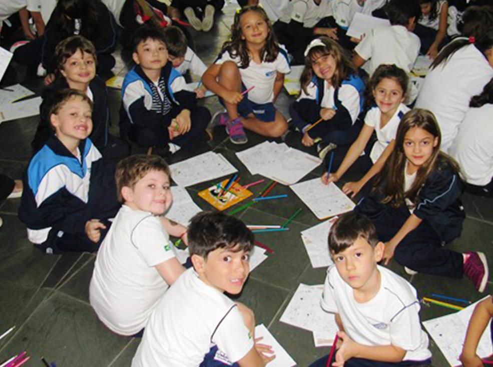 Projeto Escola de Colorir Bic