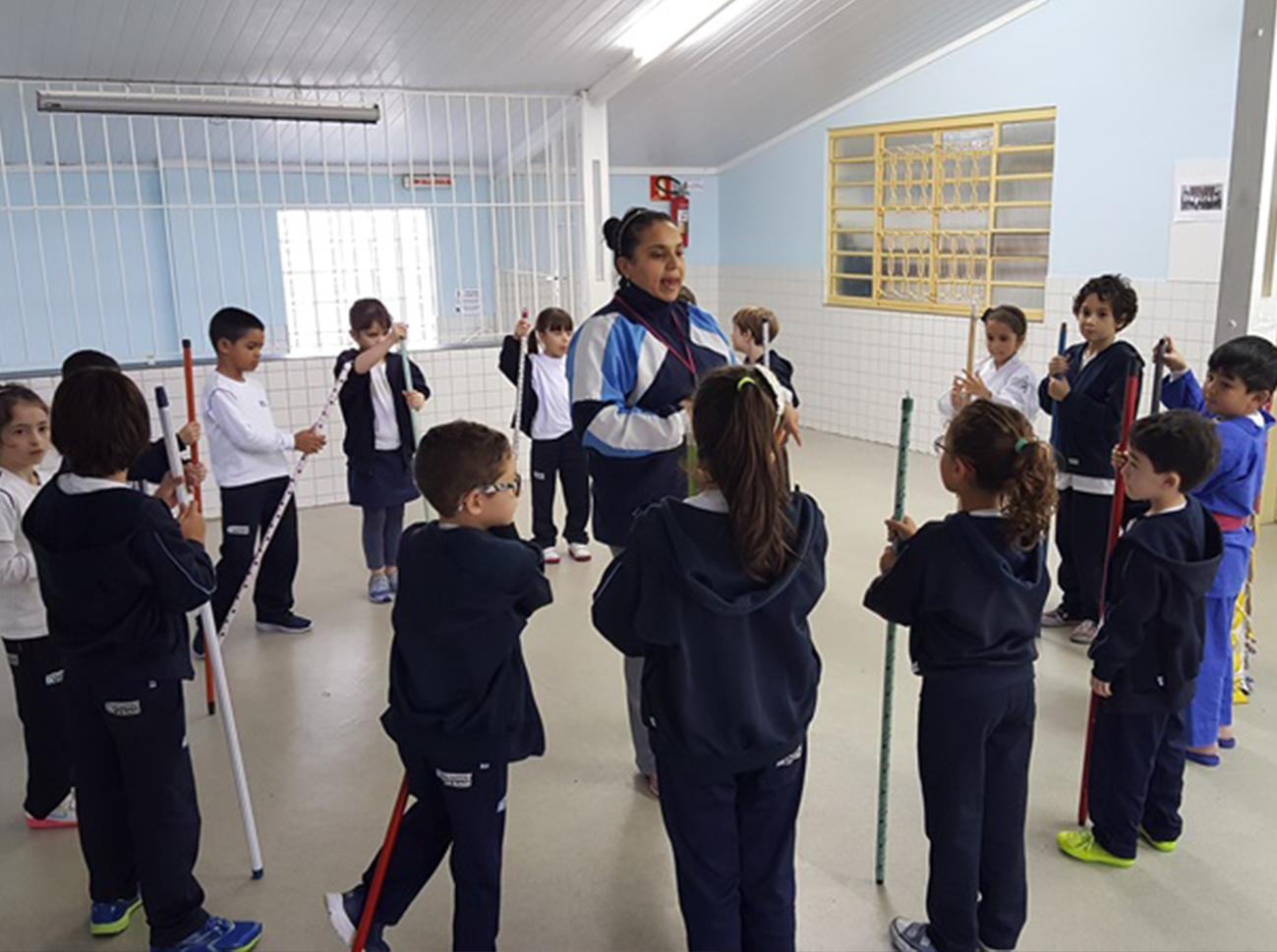 2017.08.10 Educação Física - Jogo da Vassoura
